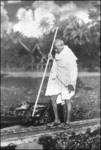 """Gandhi : de la """"résistance passive"""" au satyagraha"""